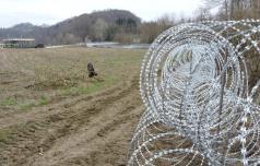 Zahtevki odškodnine zaradi ograje ob meji do konca marca