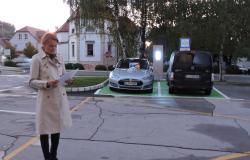 V Šmarje na brezplačno polnjenje električnih vozil