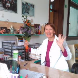 Zdravnica Anda Perdan je delala v Gorenji vasi od leta 1980 do upokojitve leta 2017. Foto: arhiv Ande Perdan