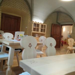 Notranjost Kavarne Visoko Foto: Milka Bizovičar