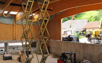 Montaža Z stene in izdelava podkonstrukcije za spuščeni strop dvorane.