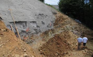 Izkop gradbene jame za novi vodohran Kovnica v Poljanah