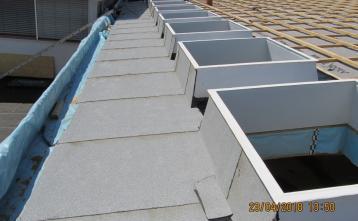 Montaža strešnih kupol in izdelava hidroizolacije.
