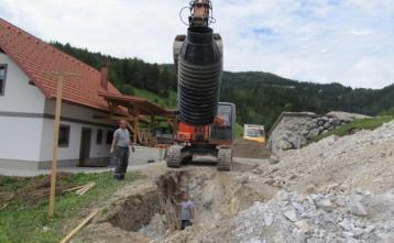 Gradnja kanalizacije v Visoki coni na Trebiji (dolomitna podlaga)