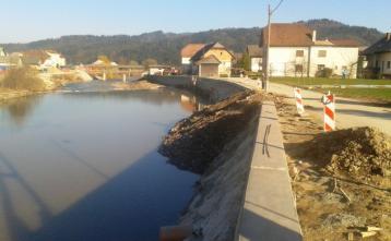 Izdelava poplavnega zidu