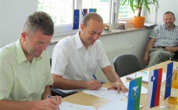 Podpis gradbene pogodbe