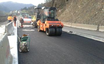 Grobi asfalt na obvoznici