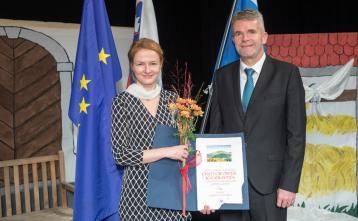 Jerneja Bonča, prejemnica priznanja občine
