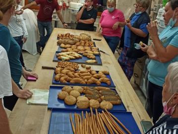Po zaključeni peki v Karlovskem mlinu FOTO: KRISTINA MIKLAVČIČ