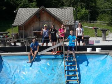 Domačini so sami skrbeli za čistočo in urejenost bazena v Kopačnici.