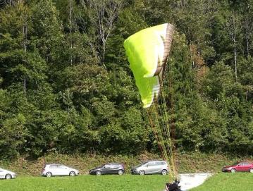 Na pika tekmi zmaga letalec, ki pristane na piki ali čim bližje njej. Foto: Lidija Razložnik