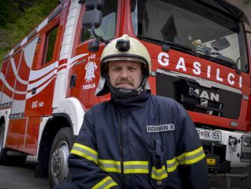 Romana Kokalja je za petdeset let dela v gasilstvu odlikovala Gasilska zveza Slovenije. FOTO: OSEBNI ARHIV