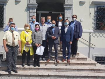 Župan Milan Čadež je na delovnem obisku gostil ministra za infrastrukturo Jerneja Vrtovca s sodelavci. FOTO: ARHIV OBČINE