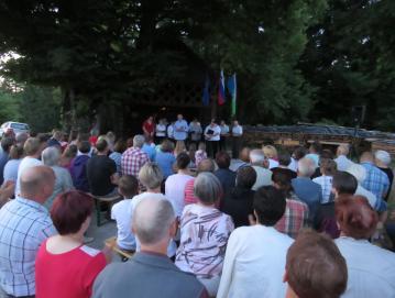 Proslava pred dnevom državnosti v Novi Oselici je privabila lepo število obiskovalcev. Foto: Milka Burnik