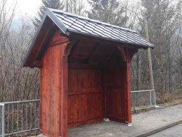 Nova hiška na avtobusnem postajališču v Pilovcu FOTO: ARHIV KS TREBIJA