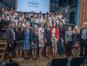 Učenci, njihovi mentorji in gostje  Foto: Uroš Ritonja