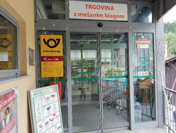 Pošta Poljane, ki deluje v trgovini Loške zadruge, posluje od 1. maja s krajšim delovnim časom