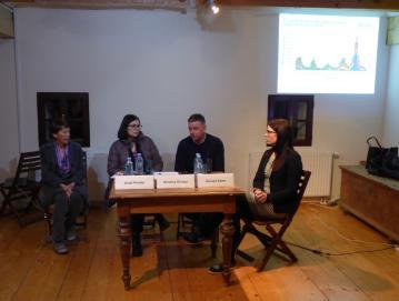 Gostje okrogle mize so posredovali informacije o ošpicah in izkušnje iz svoje zdravniške prakse. Foto: Jure Ferlan