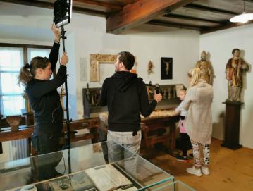 Projekt Impresije Škofjeloškega so zaključili s snemanjem promocijskega videa in novo družabno igro. Foto: arhiv Zavoda Poljanska dolina