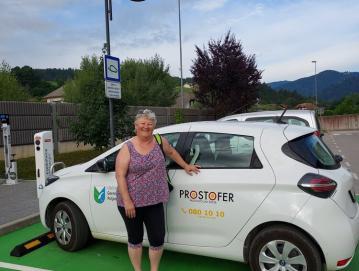 Prostoferka Irena Bogataj uživa v vožnji, veliko pa ji pomeni tudi osebno zadovoljstvo ob opravljanju dobrih dejanj. FOTO: ARHIV OBČINE