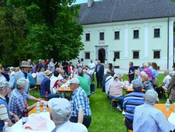 Na Visokem so se v začetku junija tradicionalno srečali člani in prijatelji Društva za zdravje naroda skupaj z Društvom na srcu operiranih Slovenije. Foto: Franc Medvešek