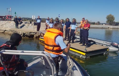 Usposabljanje policistov za varno plovbo po celinskih vodah