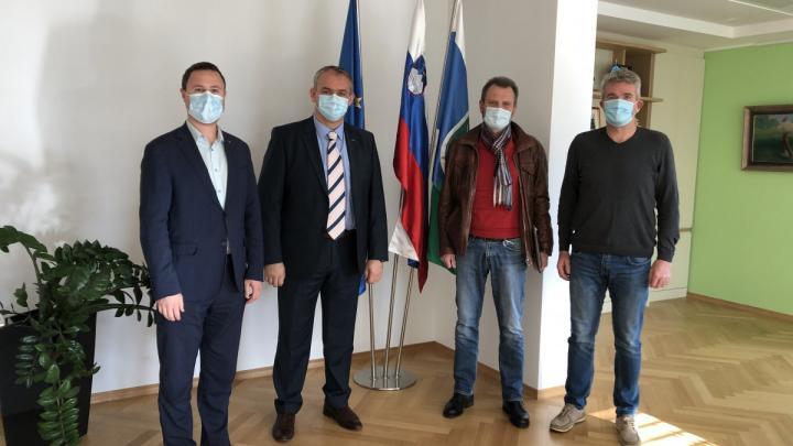 Žan Mahnič, Damijan Jaklin, Roman Kokalj in župan Milan Čadež