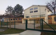 Na šmarski šoli potrjena dva primera okužbe, šolo razkužujejo