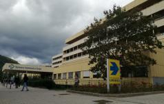 Na katerih oddelkih celjske bolnišnice so omejili obiske?