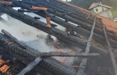 Požar v Senovici – verjetno kriv samovžig sena
