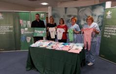 Tuš celjski bolnišnici podaril oblačila za male bolnike