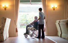 Dostojno preživljanje starosti je človekova pravica