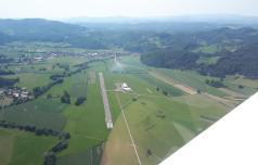 Konjiško letališče z vzletno-pristajalno stezo