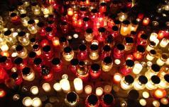 Namesto sveče zastavica sočutja