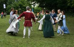 Društvo Galiarda - plešejo, kot so plesali v 12. stoletju