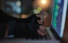 Pazljivo pred spletnimi goljufi