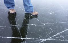 Drsanje v naravi je nevarno, led še ni dovolj debel