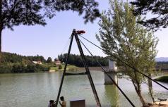 Šmartinsko jezero vabi tudi deskarje in smučarje na vodi