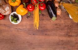 Svetovni dan hrane: kupimo največ klobas in kruha