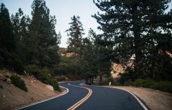 Kilometri asfaltiranih cest kupujejo volitve