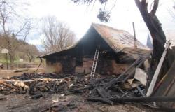 V Polžanski Gorci pogorela hiša, lahko pomagate?