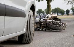 V nesreči na Stranicah umrla dva motorista