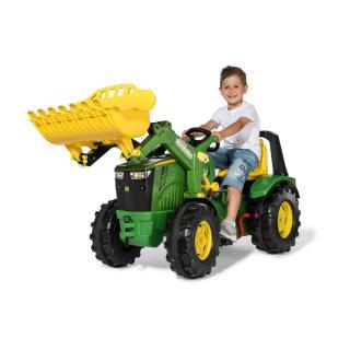 Traktor John Deere 8400 s prestavami in nakladalcem - Vozila na pedala