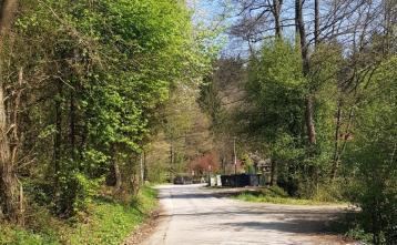Obnova ceste od rolkarskega parka proti križišču Korant (pred renovacijo)