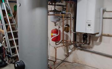 Nova toplotna črpalka v POŠ Senožeti - notranja enota, 24.07.2020