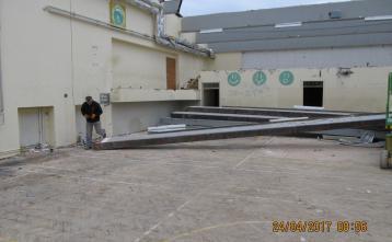 Odstranitev jeklenih nosilcev strehe