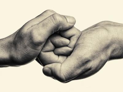 Prijaznost je vrednota, na katero ne smemo pozabiti niti v teh težkih časih. (Fotografija je simbolična.)