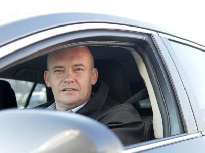 Ob Svetovnem dnevu spomina na žrtve prometnih nesreč Robert Štaba, Zavod Varna pot, opozarja na resnost problematike alkohola v prometu. (foto Delo, osebni arhiv)