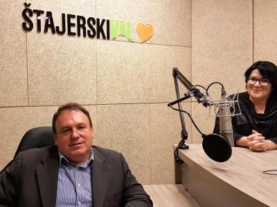 Vojniški župan Branko Petre je ob prazniku Občine Vojnik bil gost radijskega srečanja, ki ga je gostila Greta Kokot Rajković.
