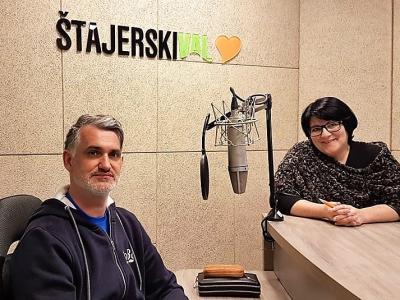 Dr. Milan Krajnc, mednarodno priznani predavatelj in svetovalec po metodah realitetne terapije in transakcijske analize, in gostiteljica Greta Kokot Rajković
